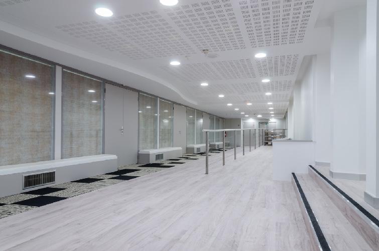 agence-decoration-interieure-travaux-renovation-salon-entreprise-6