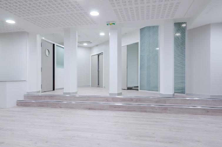 agence-decoration-interieure-travaux-renovation-salon-entreprise-5