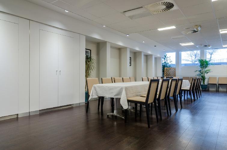 agence-decoration-interieure-travaux-renovation-salon-entreprise-4